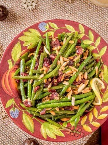 Haricots Verts with Lemon Shallot Vinaigrette close up square feature image.