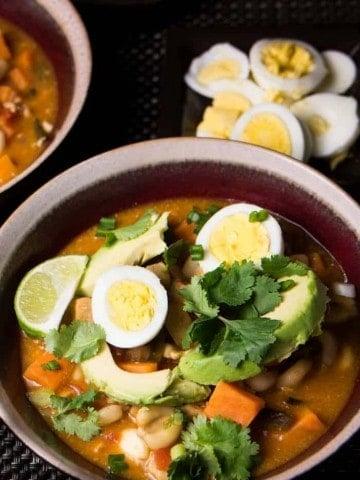 Peruvian Chicken and Corn Stew (Estofado de Pollo con Mote Peruano)
