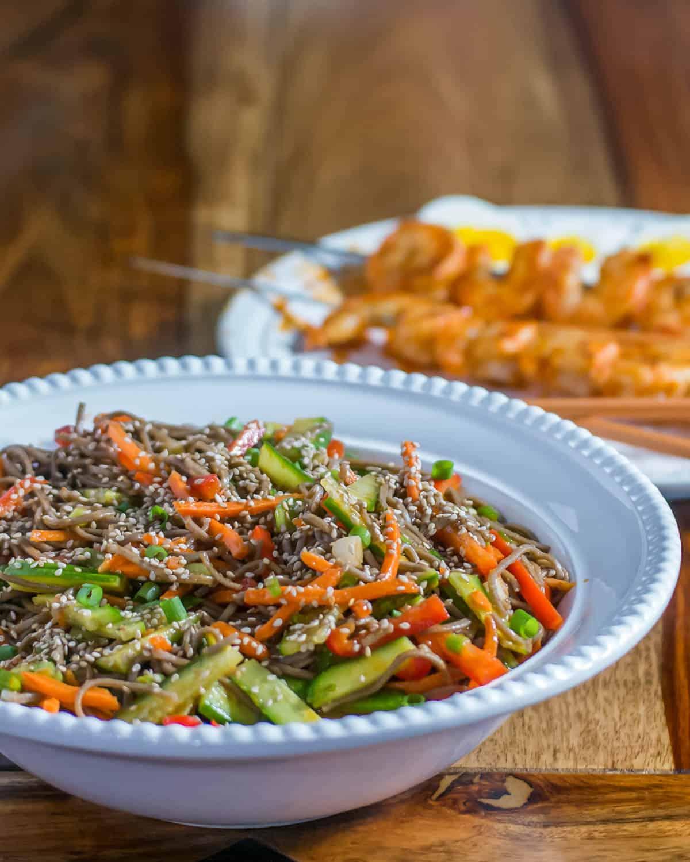Korean-Style Buckwheat Noodle Salad / www.beyondmeresustenance.com