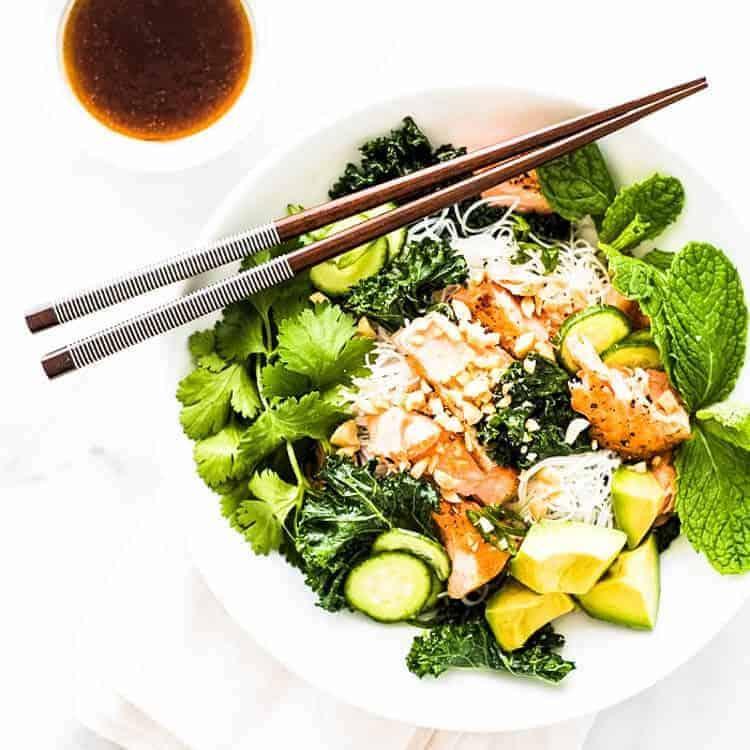 vermicelli-noodle-bowl-pan-seared-salmon
