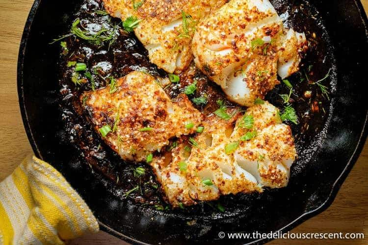 Spicy Pan Seared Fish with Tamarind Sauce / www.beyondmeresustenance.com